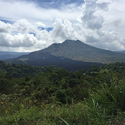 Mt. Batur in all its majesty, looks easy from here..