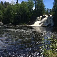 A lovely little oasis so close to town . Clean and relaxing . Beautiful nature Only thing missin