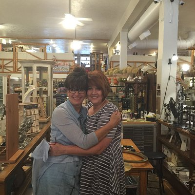 Such a wonderful, packed full of treasures and friendly store. I will totally revisit !