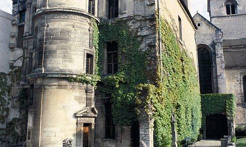 La Maison Philandrier, datant de la renaissance et abritant l'Office de Tourisme