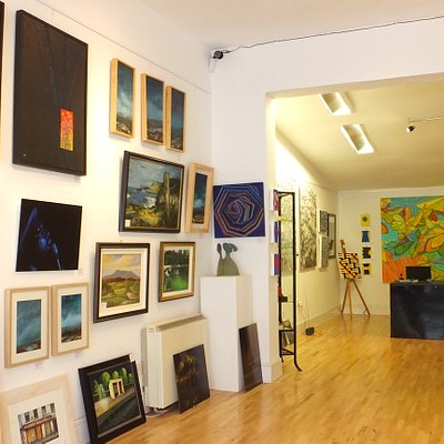 ArtisAnn Gallery Interior