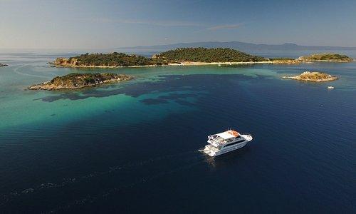 Eirinikos Glassbottom Cruises