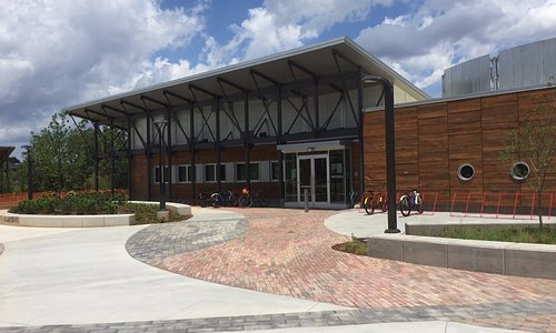 The front of the building looking from the parking lot.