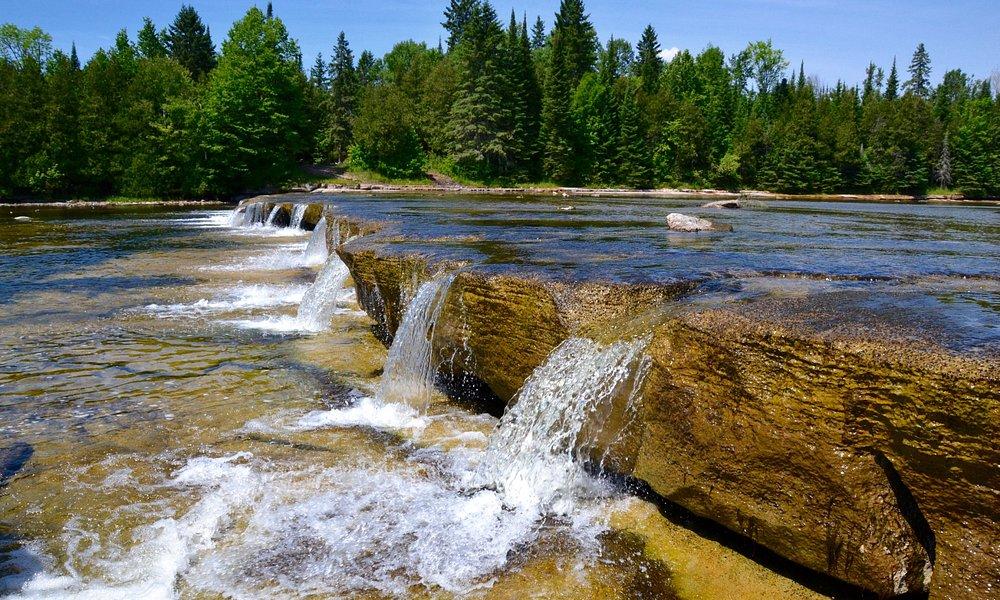 Series of mini-waterfalls