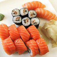 Top frische Sushi, liebevoll zubereitet. Gute Portionsgröße. Dieses Restaurant ist ein Kleinod i
