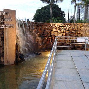 Monumento a las Cataratas del Iguazù- Bs.As 2016.