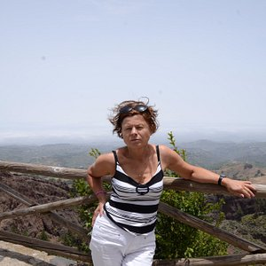 Na tle kaldery wulkanicznej Pinos de Galdar