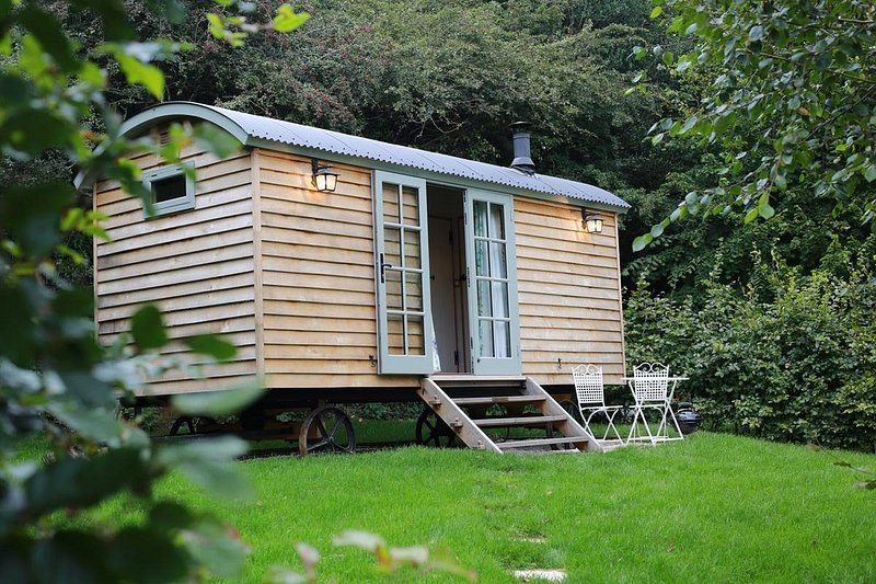 Melody Farm Shepherds Huts, Carnon Downs