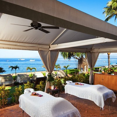 Oceanfront Spa Cabana on Ka'anapali Beach