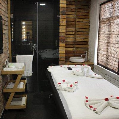 Monsoon Salon & Spa South Ex