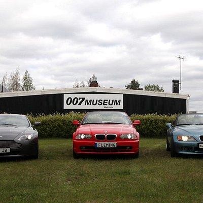 "BMW licence plate ""FLEMING"", BMW Z3 licence plate ""GOLDENEYE"","