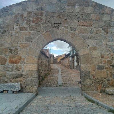 Arco de entrada a la Villa