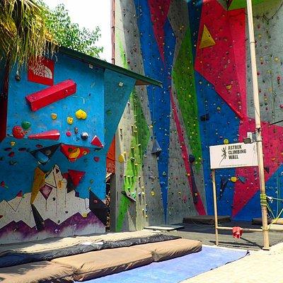 Astrek climbing walls
