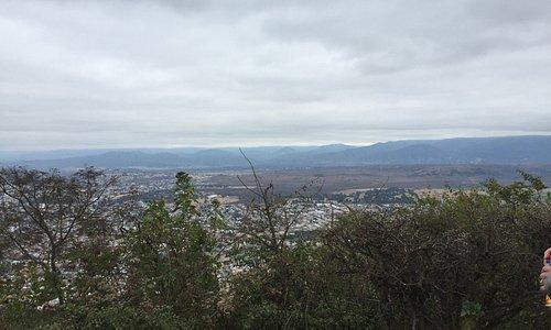 Lugar increíble de oración y silencio, camino largo empinado hacia arriba, aire y caminar lento,
