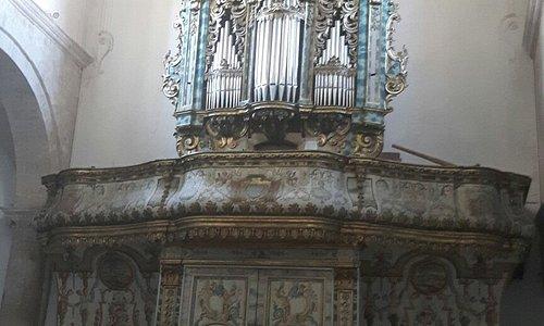 Esterno e interno chiesa