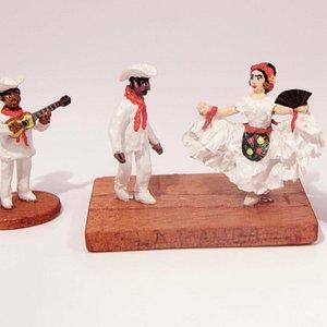 La Bamba by Enrique V. Sanchez, latest addition to our miniature collection