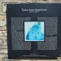 Panneau touristique présentant l'église Saint-Symphorien de Marnay