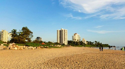 Extensive beach