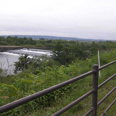 道道沿いから見た堰堤