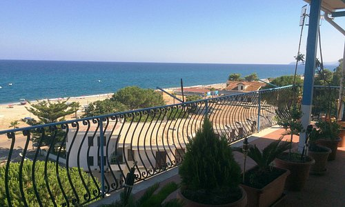 La vista dalla nostra terrazza 2