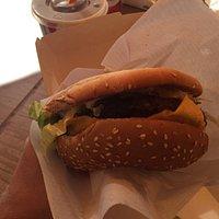 Rigtig gode fritter og burgere. God kvalitet og pengene værd