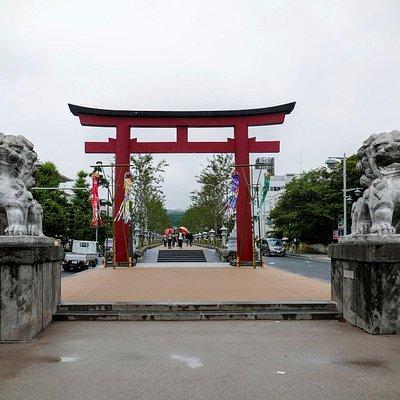 Wakamiyaoji Dori at Geba, Kamakura