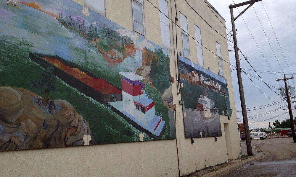 Wadena Minnesota had some interesting historical attractions including the puzzle mural if 1,000