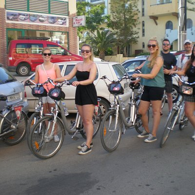 Guided tours on electric bikes