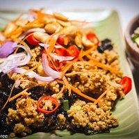 Best vegetarian option; fried seaweed and crumbled tofu with mango salad.