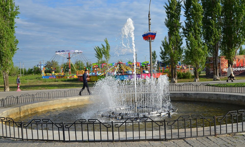 Один из фонтанов на площади Ленина