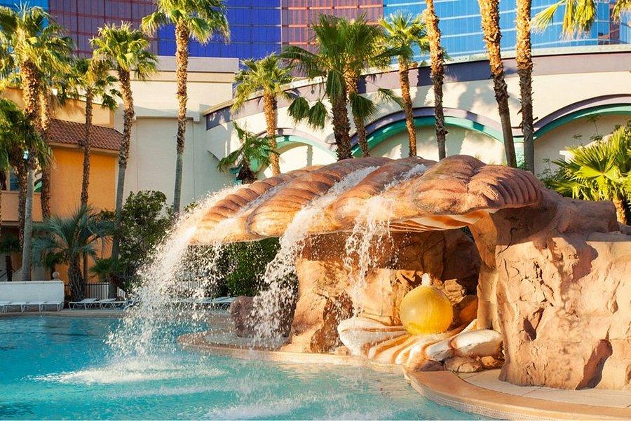 Sapphire pool at the rio all-suite hotel /u0026 casino el dorado casino in reno