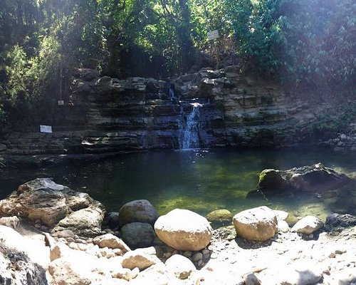 Occalong Falls during summer time
