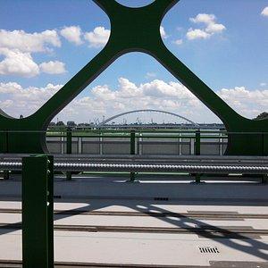 pohľad na most Apollo