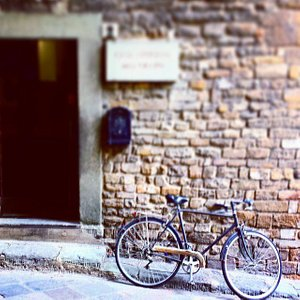the entrance of Casa dell'Orafo, in front #Ponte #Vecchio
