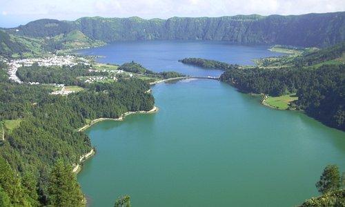 Aqui aonde é as lagoas verde e azul