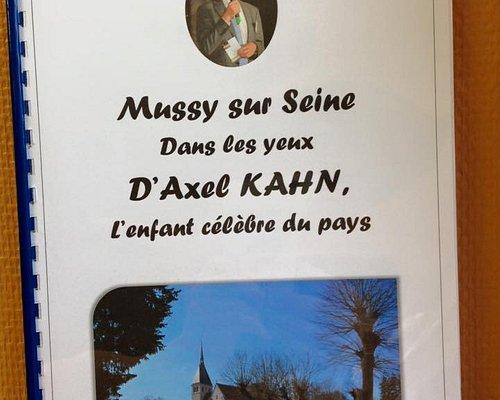 enfant du pays Mr Kahn célèbre professeur généticiens vient se ressourcer dans le village