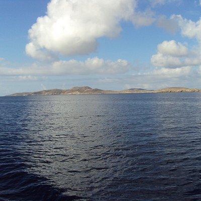 in navigazione verso mykonos