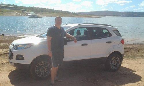 Eu e meu carro no Lago de Corumbá.