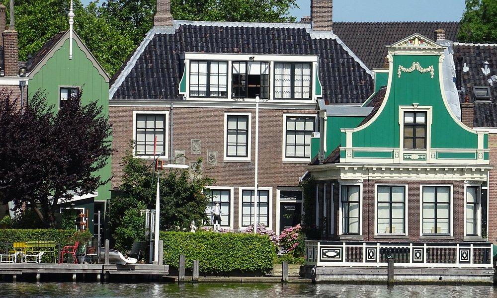 ;HONIG BREETHUIS MUSEUM gezien vanaf Zaanse Schans