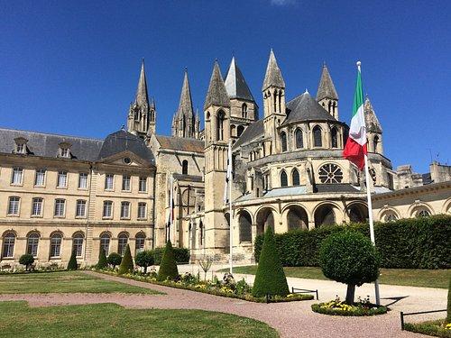 Abbey des Hommes