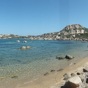 spiaggia nido d'aquila, flat like a mirror, the inner beach