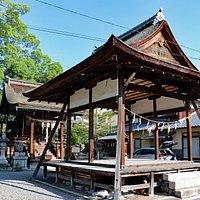 酒井神社 本殿と拜殿