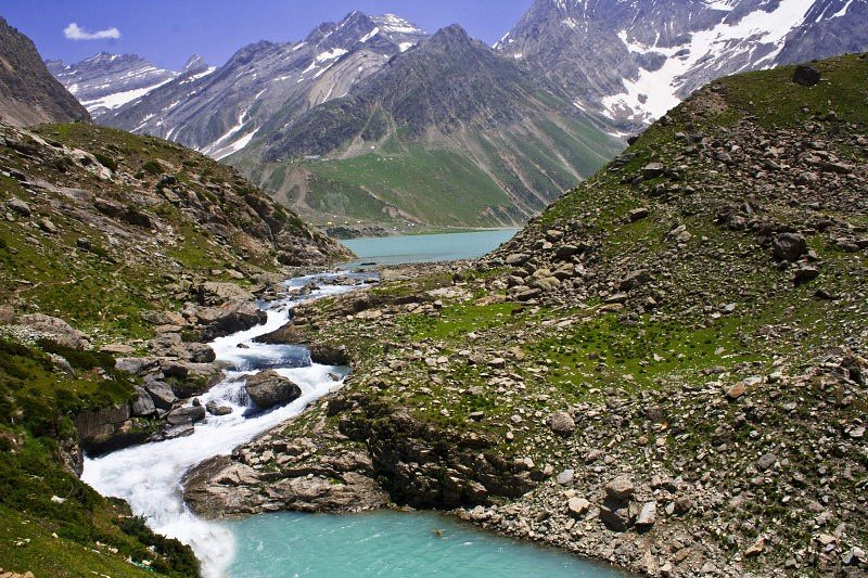 BongBlogger - Sheshnag Lake in Sheshnag, Jammu & Kashmir, India