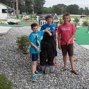 Kids & mini golf at Tabers