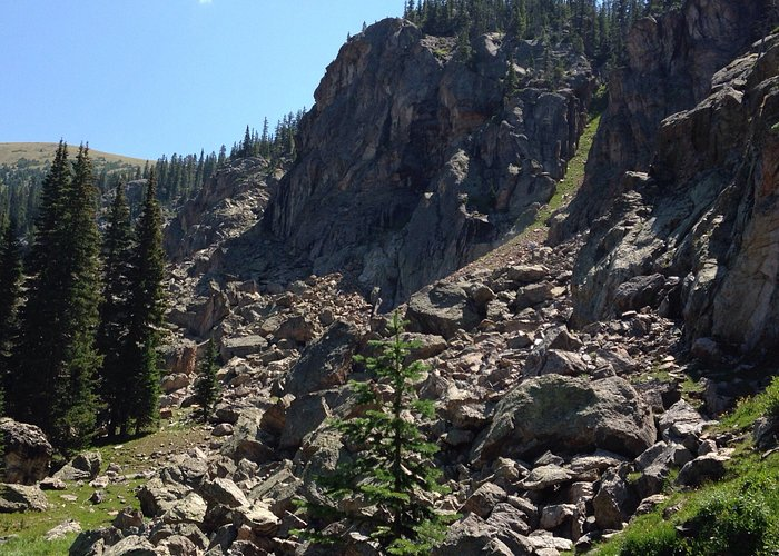 Gorgeous day hike near Fraser, CO. Allow at least 4 hours- you will want to spend time at the la