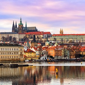 Visit Prague Castle with us! According to the Guinness Book of Records the largest one in the wo