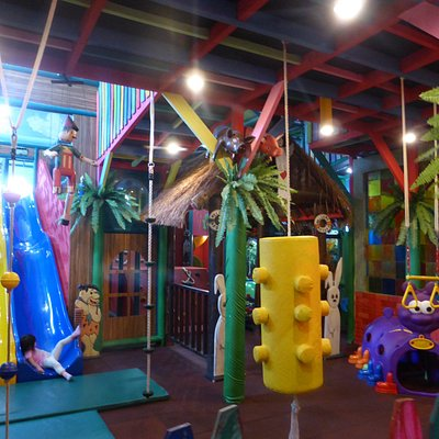 Entrance with 3 slides, climbing activities, ball pit & jumping castle