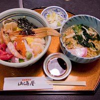 Seafood Bowl of Rice and Small Size Udon Noodle
