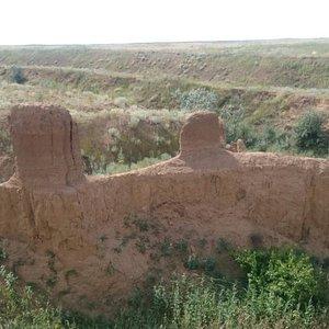 Интересные геологические образования в Сорочьей балке