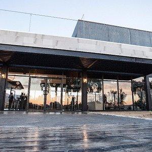 Sala de degustación y restaurante de Viña de Frannes, ven a disfrutar de nuestros vinos...